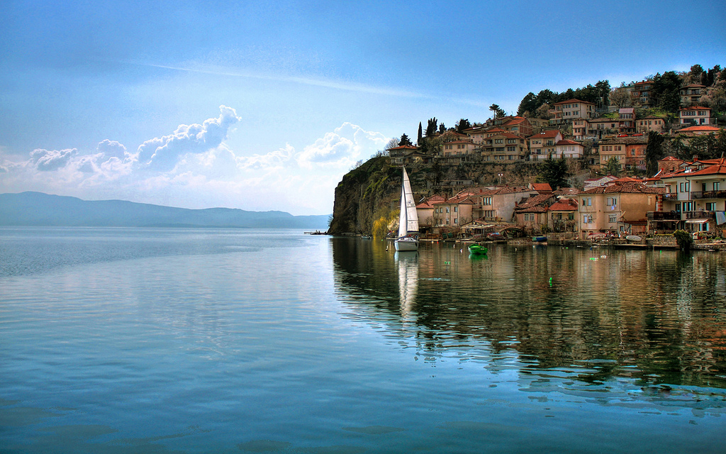 Does the Ohrid Framework Agreement advance Macedonia's Nation-Building?