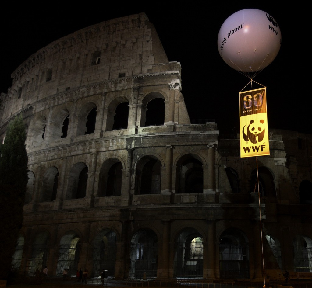 Colosseum during Earth Hour (Photo: Wikipedia)