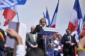 Meeting_1er_mai_2012_Front_National,_Paris_(36)