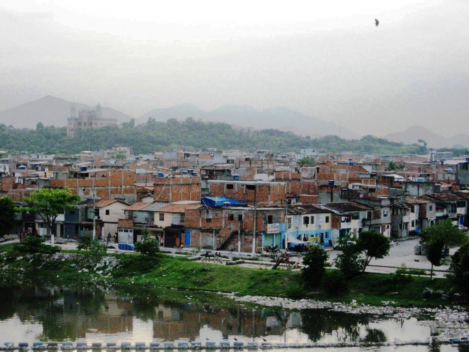 Pluralism in a favela: A story of violence and evangelicalism