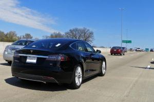 Tesla_Model_S_Hwy_40