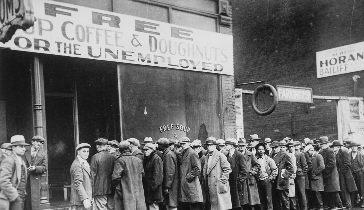 The difficult dilemma between inequality and unemployment