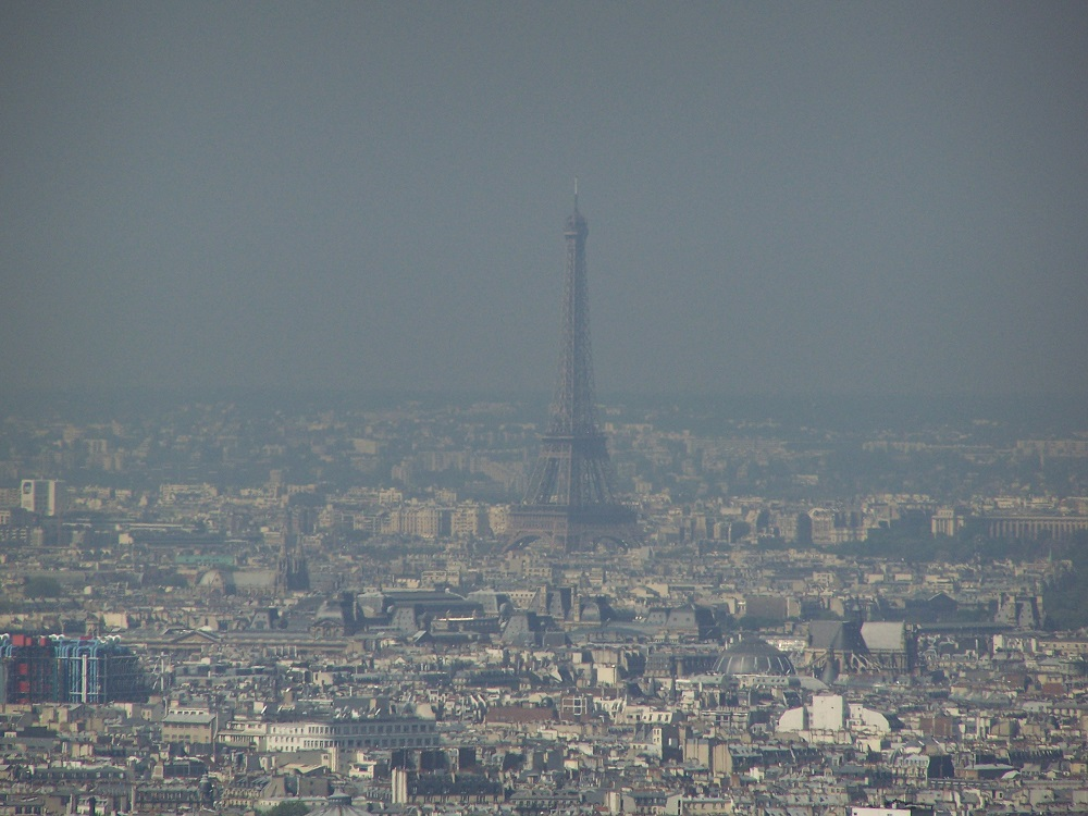 Grey is the new Paris: How green can defeat the smog