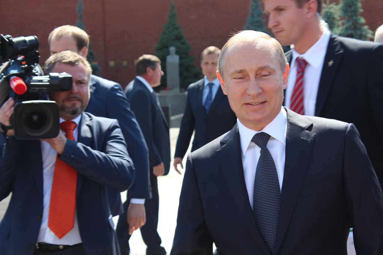 Putin's fan club on the rise in Europe and America
