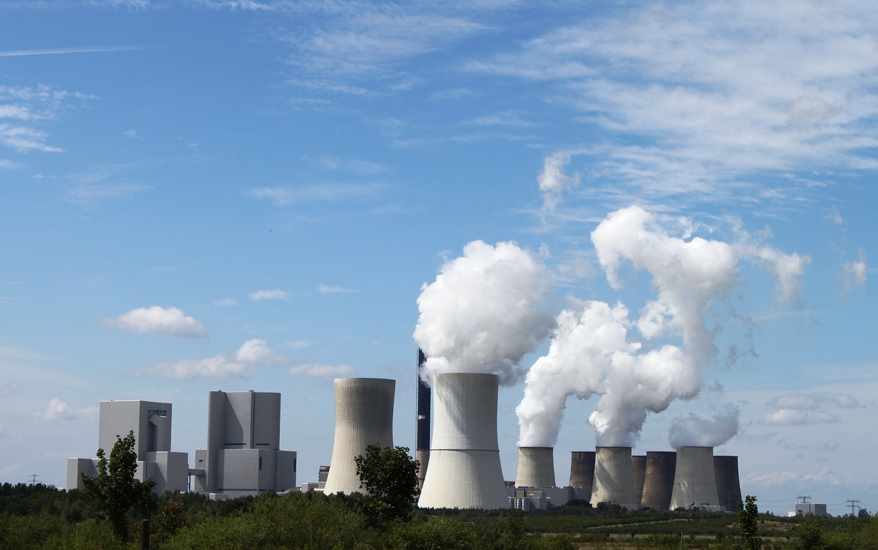 Clean up or close down: the European Union's response to polluting power industries